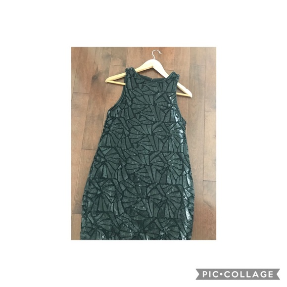 H&M Dresses & Skirts - Geometric sequin dress